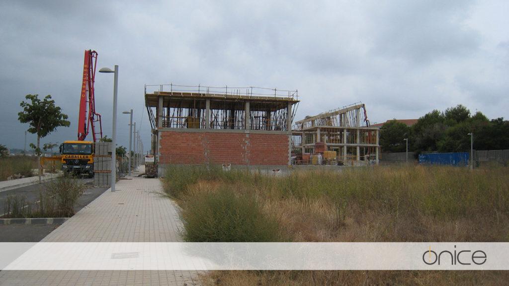 Ónice-Casa-pueblo-Estructura-Silla-10