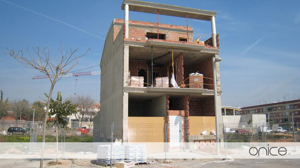 Ónice-Casa-pueblo-Estructura-Silla-15