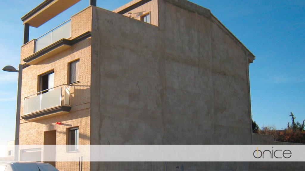 Ónice-Casa-pueblo-Estructura-Silla-19